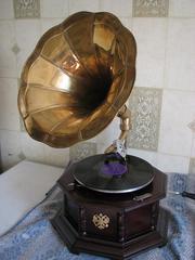 Реставрация старинных граммофонов и патефонов.