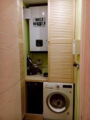 Шкаф из дверей жалюзи для закрытия бойлера и стиральной машины
