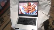 Практически новый ноутбук Toshiba Satellite L40-13G .