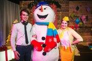 Ростовая кукла Снеговик на зимнюю свадьбу,  доставка цветов,  подарков,  Снеговик-почтовик