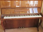 Petrof  пианино которое создает праздничное  настроения