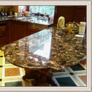 Барные стойки для кухни из мрамора,  гранита,  оникса.
