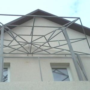 Паркан металевий,  винос балкона,  сходи,  павільйон,  кіоск.  Фото Київ.