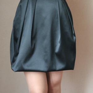 вечернее платье на корсетной основе со шнуровкой на спине