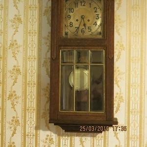 Продам  антикварные иконы,  часы