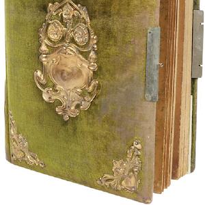 Куплю старинные книги,  манускрипты,  фотографии,  фотоальбомы.
