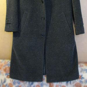Продам зимнее черное классическое пальто прямого покроя
