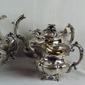 Куплю антиквариат изделия из серебра,  золота. Куплю антиквариат дорого