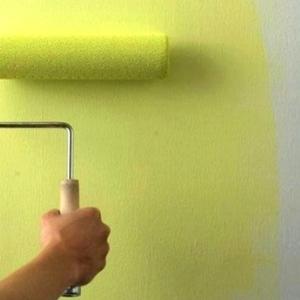 Покраска потолка стен