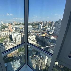 Видовая квартира 58м2 в элитном доме Royal Tower. Саксаганского,  37к