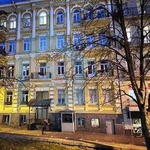 Продажа 3-х комн. с паркоместами,  м. Л.Толстого. Без комиссии
