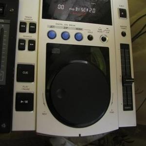 Продаю 2 проигрывателя Pioneer CDJ-100 (Made in Malaysia)