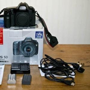 Canon EOS 5D Mark II Digital SLR Camera with Canon EF 24-105mm IS len