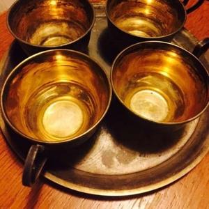 Продам Чайный набор: 4 чашки и поднос СССР 2 половина XX века подарок