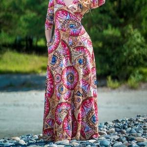 Авторские платья и платки от бренда