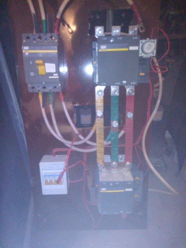 IEK ВА88-35,  3Р,  250А,  контактор КТИ 5225 (225 А),  система АВР 3