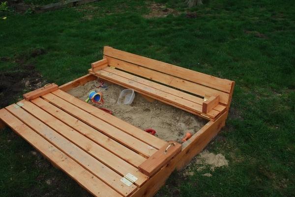 Деревяннаая песочница для детей 3