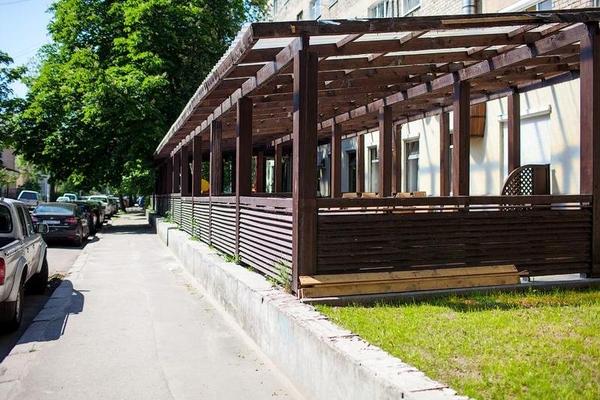 Деревянная веранда /летняя площадка под кафе