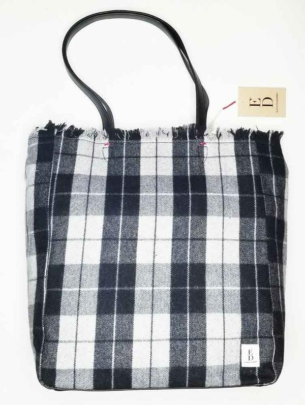 Женская сумка в клетку  2