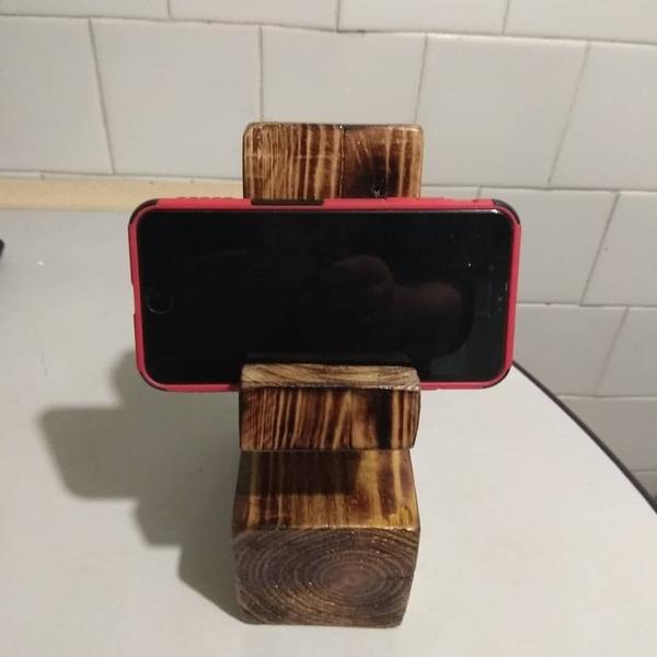 Дерев'яні підставки під телефон 3