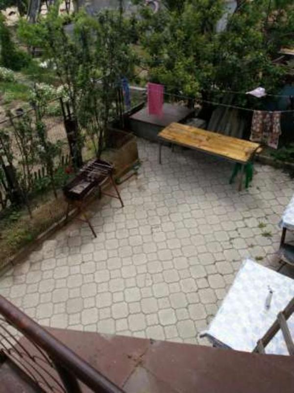 Азов,  Мариуполь,  Мелекино 1 спуск,  сдаю обыкновенные комнаты. 4