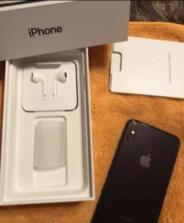 Apple iPhone XS 64GB Space Gray с гарантией 2