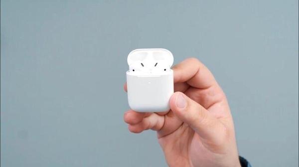 Apple AirPods 2 (MV7N2) Copy 1:1 - идеальная копия легендарных наушник 3