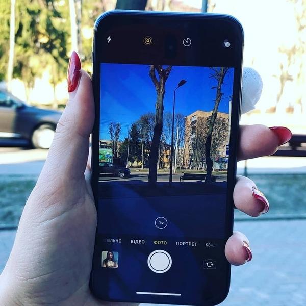 Продаю IPhone X 256GB  3