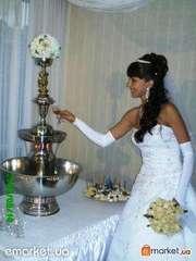 Фонтан для шампанского на свадьбу
