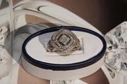 Новое кольцо из белого золота с 76 бриллиантами (tw 0, 5 ct)